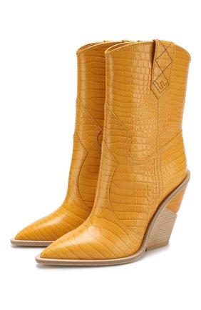 Кожаные сапоги с тиснением под крокодила на устойчивом каблуке | Фото №1