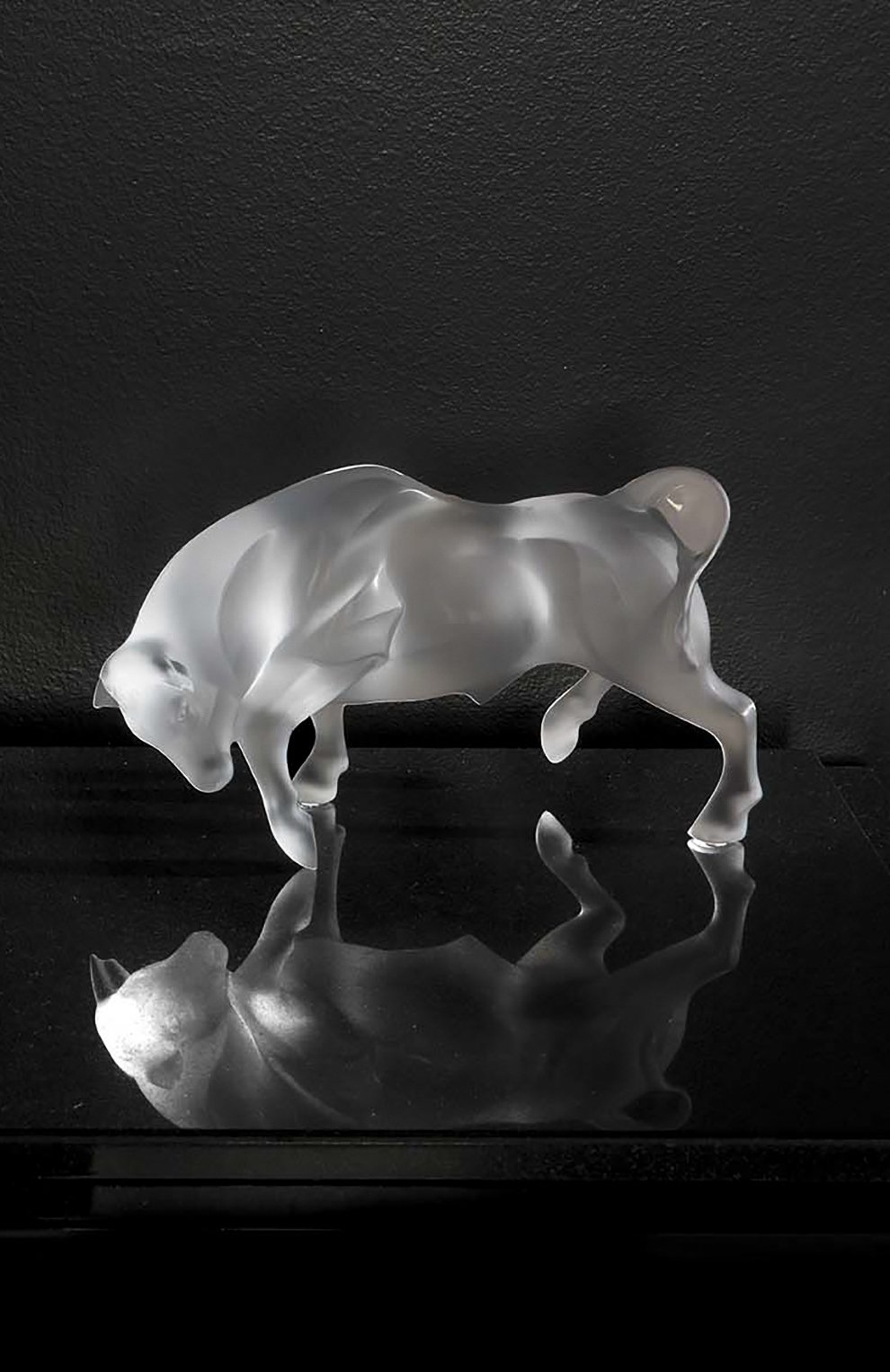 Мужского скульптура bull LALIQUE прозрачного цвета, арт. 10647700 | Фото 2