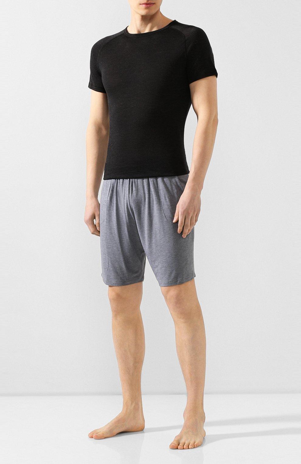 Мужская футболка из смеси шерсти и шелка FALKE темно-серого цвета, арт. 33423   Фото 2 (Материал внешний: Шерсть, Шелк; Кросс-КТ: домашняя одежда; Рукава: Короткие; Длина (для топов): Стандартные; Мужское Кросс-КТ: Футболка-белье; Статус проверки: Проверена категория)