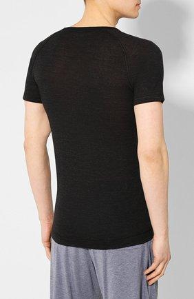 Мужская футболка из смеси шерсти и шелка FALKE темно-серого цвета, арт. 33423   Фото 4 (Материал внешний: Шерсть, Шелк; Кросс-КТ: домашняя одежда; Рукава: Короткие; Длина (для топов): Стандартные; Мужское Кросс-КТ: Футболка-белье; Статус проверки: Проверена категория)