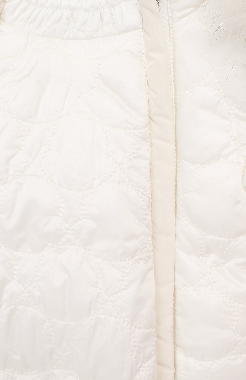 Детский пуховый комбинезон с мехом MONCLER ENFANT белого цвета, арт. D2-951-14359-25-788AU   Фото 3
