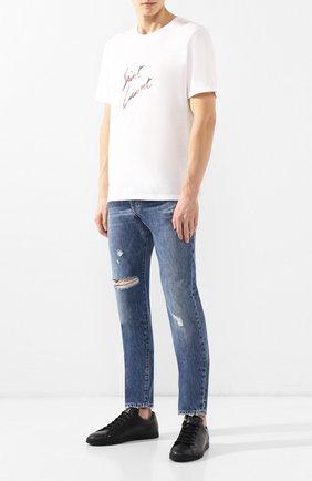 Мужские джинсы прямого кроя SAINT LAURENT синего цвета, арт. 551351/Y969T | Фото 2