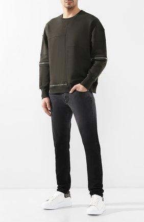 Мужские джинсы ALEXANDER MCQUEEN серого цвета, арт. 544216/QMY97   Фото 2