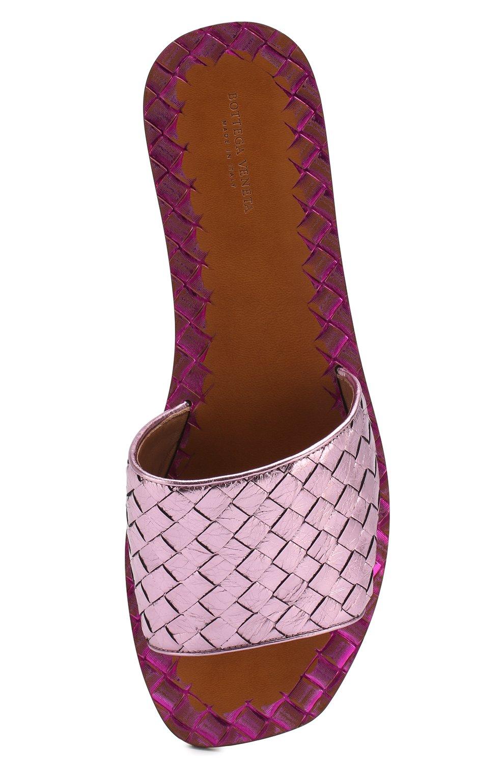 Шлепанцы с плетением intrecciato из металлизированной кожи Bottega Veneta светло-розовые | Фото №5