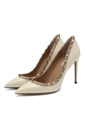 Женская лаковые туфли valentino garavani rockstud VALENTINO кремвого цвета, арт. RW2S0057/VNW | Фото 1