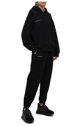 Женские текстильные кроссовки chain reaction VERSACE черного цвета, арт. DSR705G/D7CTG | Фото 2 (Материал внешний: Текстиль; Материал внутренний: Текстиль; Подошва: Платформа; Статус проверки: Требуются правки, Проверена категория)