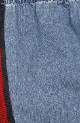 Детские джинсы с эластичным поясом GUCCI голубого цвета, арт. 555404/XDAHQ | Фото 3