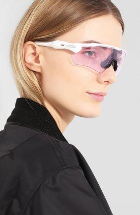 Мужские солнцезащитные очки OAKLEY лилового цвета, арт. 9208-920865 | Фото 2