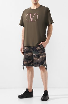 Мужские шорты VALENTINO хаки цвета, арт. RV3MD00IIIZ | Фото 2