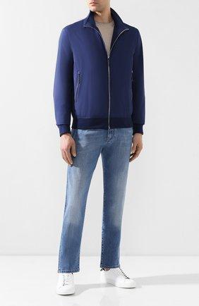 Мужской бомбер ANDREA CAMPAGNA темно-синего цвета, арт. 40600E0012600 | Фото 2 (Материал внешний: Синтетический материал; Длина (верхняя одежда): Короткие; Рукава: Длинные; Материал подклада: Шелк; Принт: Без принта; Мужское Кросс-КТ: Верхняя одежда; Кросс-КТ: Куртка; Стили: Кэжуэл)