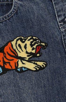 Детские джинсы прямого кроя GUCCI синего цвета, арт. 540112/XDADM | Фото 3