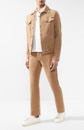 Мужские джинсы прямого кроя TOM FORD светло-бежевого цвета, арт. BSJ19/TFD002 | Фото 2