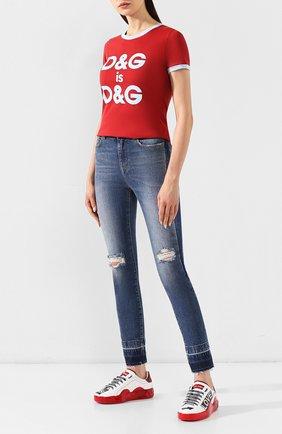 Женские джинсы с потертостями DOLCE & GABBANA голубого цвета, арт. FTAQ1D/G885W | Фото 2