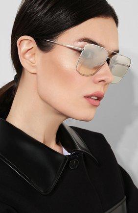 Женские солнцезащитные очки TOM FORD серебряного цвета, арт. TF651 18C | Фото 2