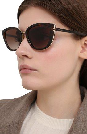 Женские солнцезащитные очки TIFFANY & CO. коричневого цвета, арт. 4152-80153B | Фото 2