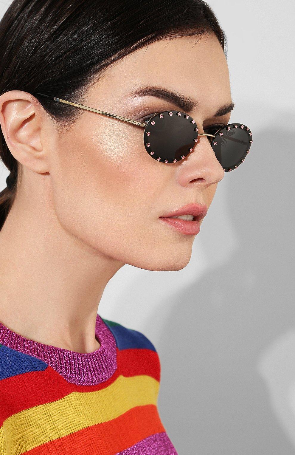 Женские солнцезащитные очки VALENTINO черного цвета, арт. 2027-300387 | Фото 2