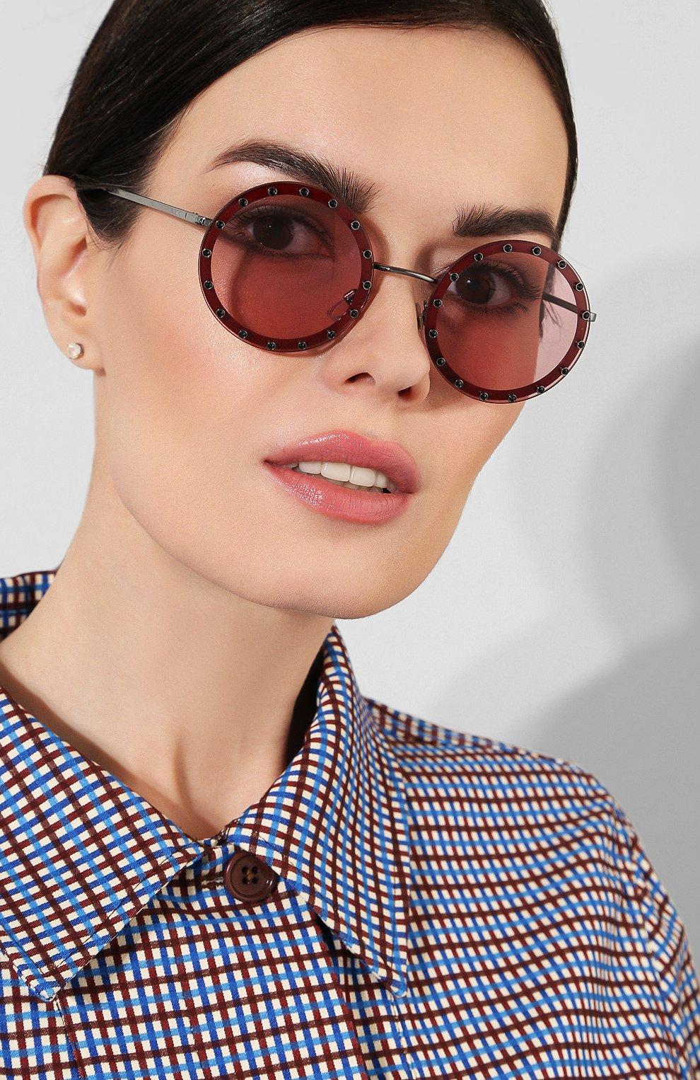 Солнцезащитные очки Valentino бордовые | Фото №2