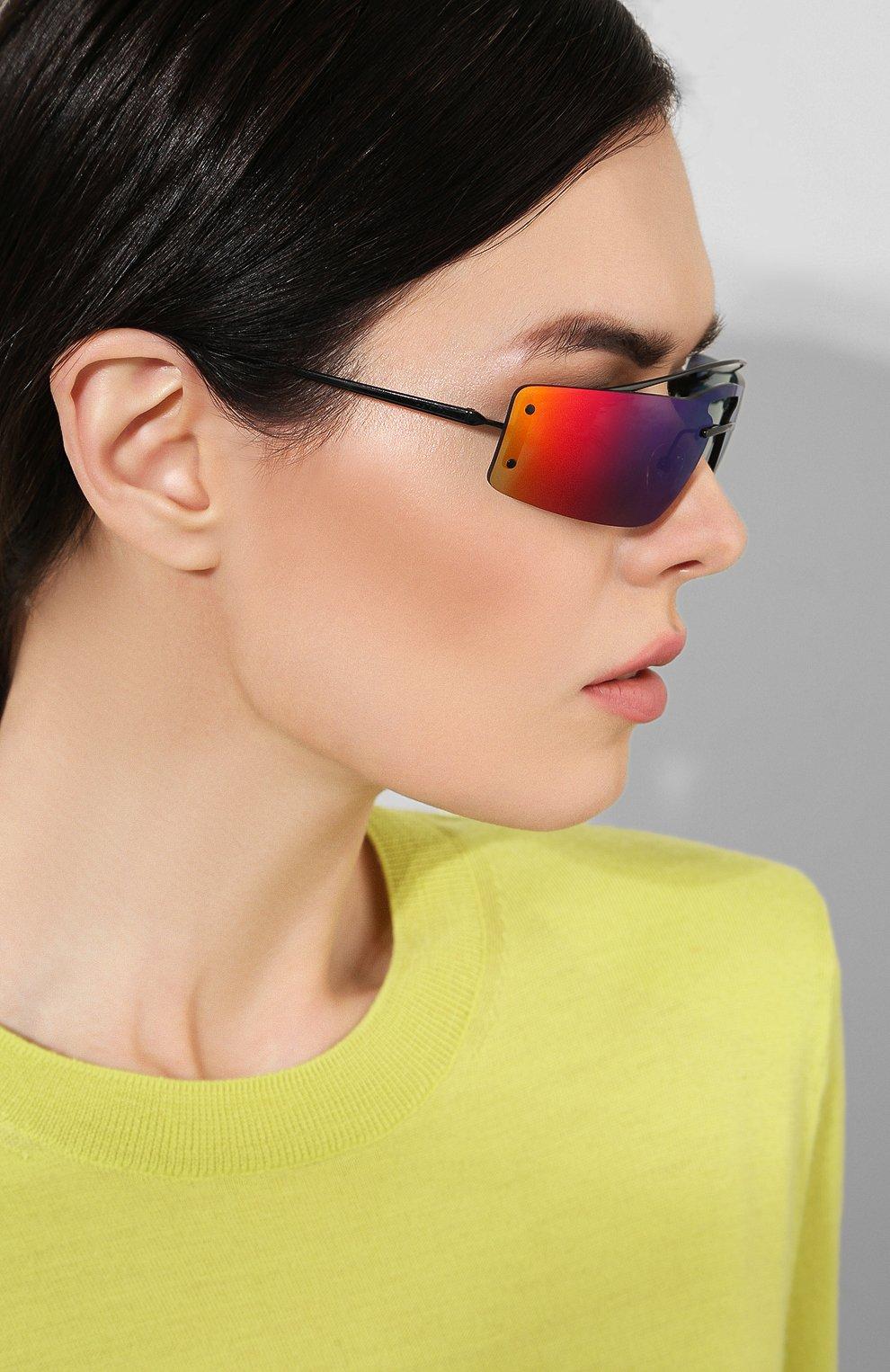 Солнцезащитные очки Prada разноцветные | Фото №2