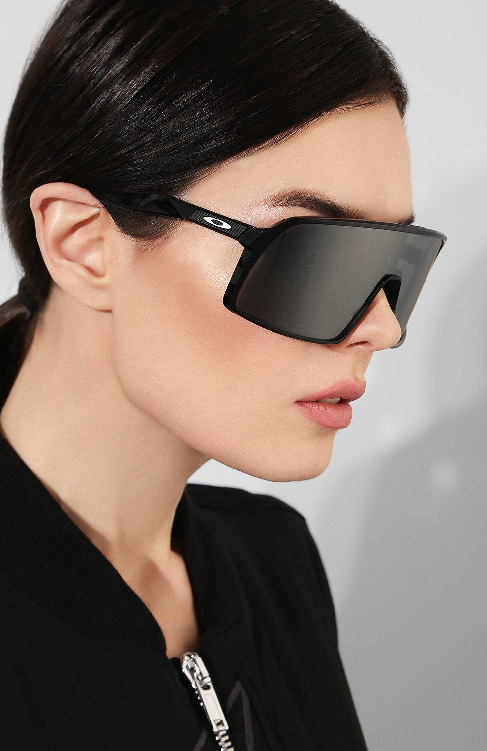 Женские солнцезащитные очки OAKLEY черного цвета, арт. 9406-940601 | Фото 2