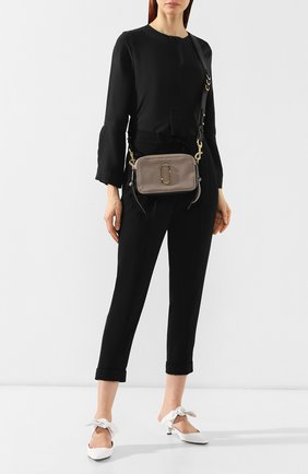 Женская сумка the softshot 21 MARC JACOBS (THE) бежевого цвета, арт. M0014591 | Фото 2