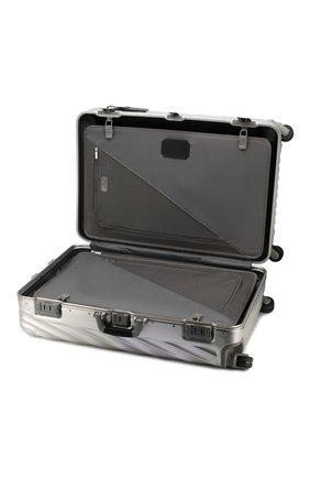 Женский дорожный чемодан 19 degree aluminum TUMI серебряного цвета, арт. 036869SLV2   Фото 3 (Статус проверки: Проверено, Проверена категория; Размер: large; Ограничения доставки: oversized)