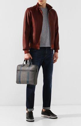 Мужская кожаная сумка для ноутбука BOTTEGA VENETA серого цвета, арт. 548030/VBM92 | Фото 2