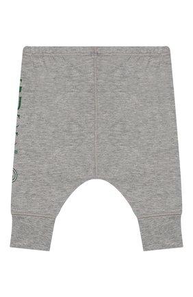 Детские хлопковые джоггеры GUCCI светло-серого цвета, арт. 540744/XJABF | Фото 2