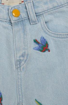 Детские джинсы с вышивкой GUCCI голубого цвета, арт. 551319/XDAGJ | Фото 3