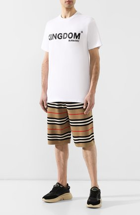Мужская хлопковая футболка  BURBERRY белого цвета, арт. 8010438 | Фото 2