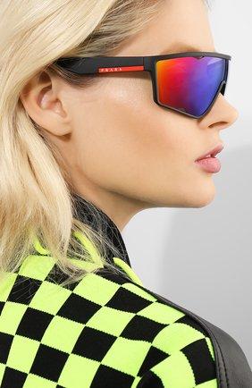 Женские солнцезащитные очки PRADA LINEA ROSSA черного цвета, арт. 09US-DG09Q1   Фото 2