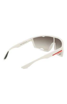 Женские солнцезащитные очки PRADA LINEA ROSSA белого цвета, арт. 09US-TWK500 | Фото 4