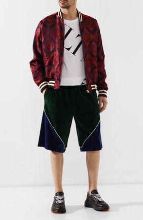 Мужские хлопковые шорты GUCCI зеленого цвета, арт. 572724/XJA3J | Фото 2