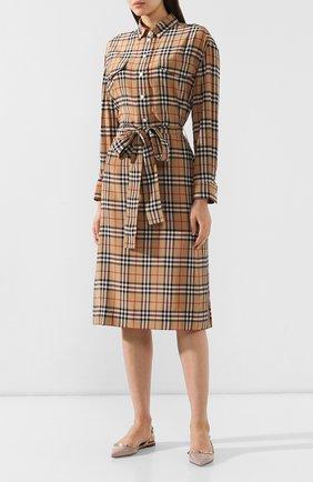 Шелковое платье Burberry бежевое | Фото №3