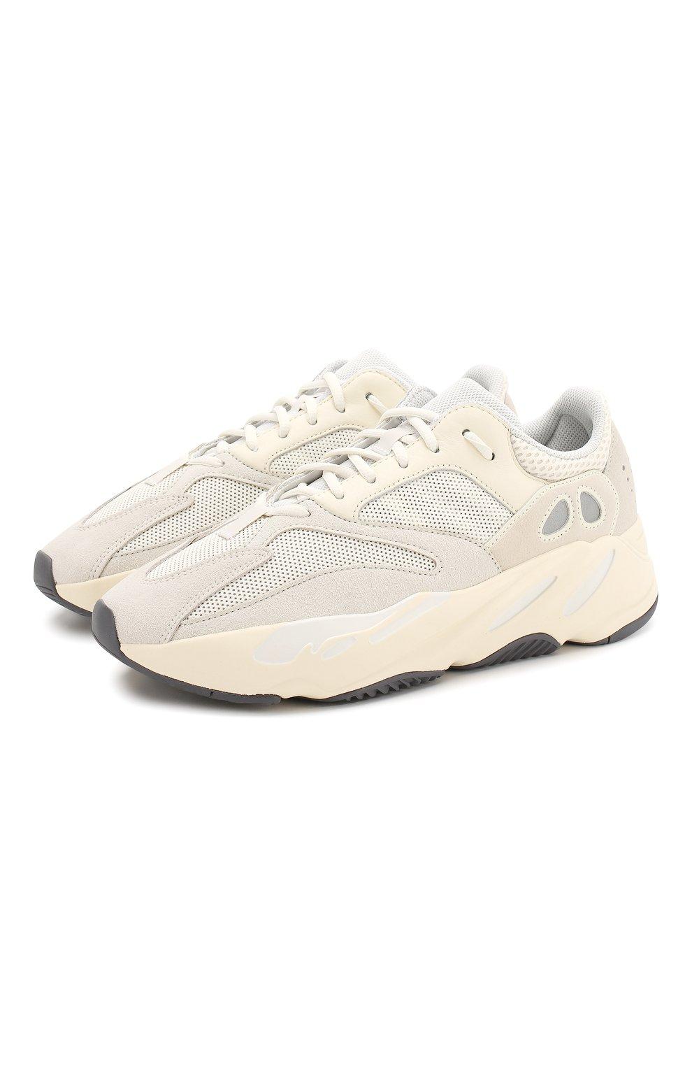 8086f34b Комбинированные кроссовки Yeezy Boost 700 Analog adidas Originals белые |  Фото №1