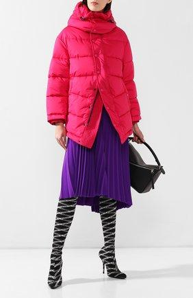 Женский стеганая куртка BALENCIAGA розового цвета, арт. 555346/TYD33   Фото 2 (Кросс-КТ: Куртка, Пуховик; Рукава от горловины: Длинные; Рукава: Длинные; Женское Кросс-КТ: Пуховик-куртка; Длина (верхняя одежда): До середины бедра, Короткие; Материал внешний: Синтетический материал, Полиэстер; Материал подклада: Синтетический материал; Статус проверки: Проверено, Проверена категория)
